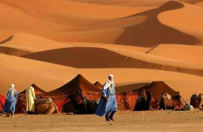 tendas no deserto